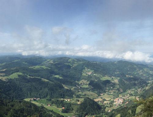 Ascender al monte Hernio desde Venta de Iturrioz